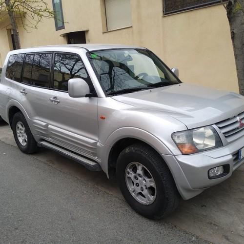 P0001 Alquiler Mitsubishi Montero plata frontal