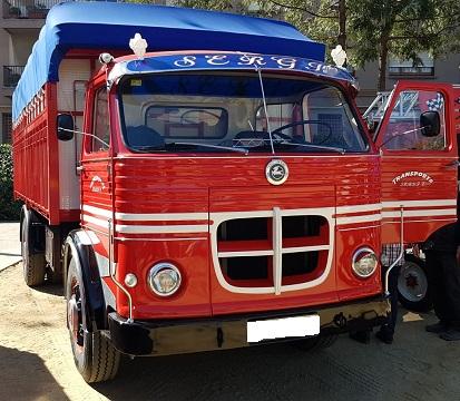 10744 Alquiler Camión Pegaso Comet rojo-blanco