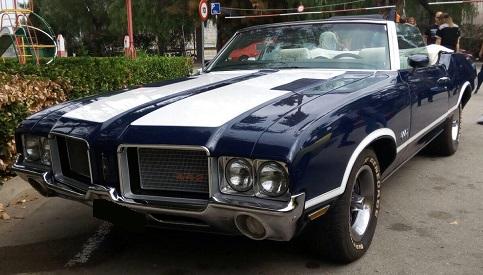 10757 Alquiler Oldsmobile 442 azulblanco