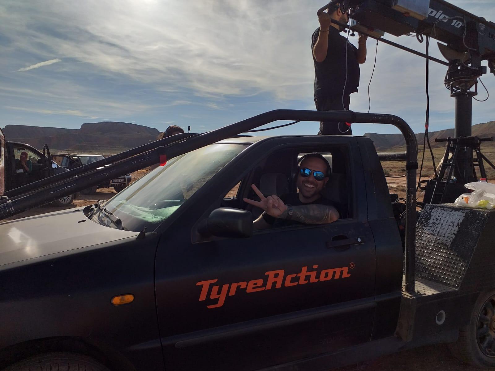 tyreaction service vision Making of rodaje aitana y lola indigo me quedo alquiler camaracar  scorpio arm pursuit rent a classic bus españa  jordi nebot car coordinator