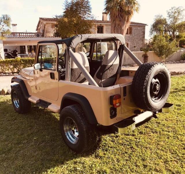 Alquiler Jeep Wrangler arena militar barcelona tra