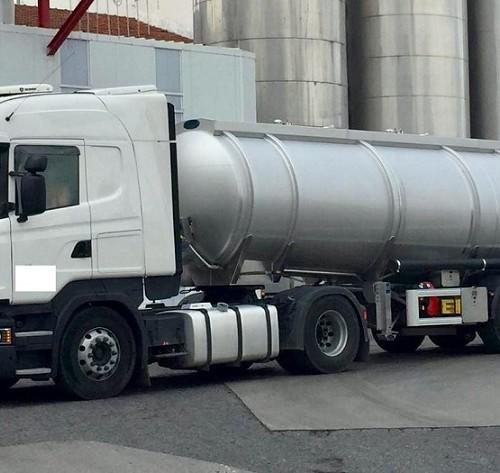 10765 Camión cisterna