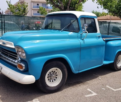 Alquiler pickup americana chevrolet apache chevy