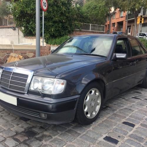 P0018 Alquiler Mercedes E500 gris