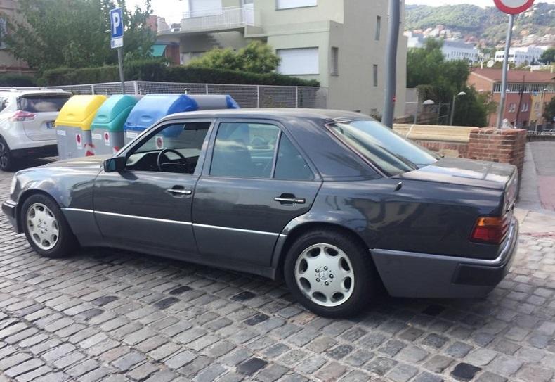 P0018 Alquiler Mercedes E500 gris lateral