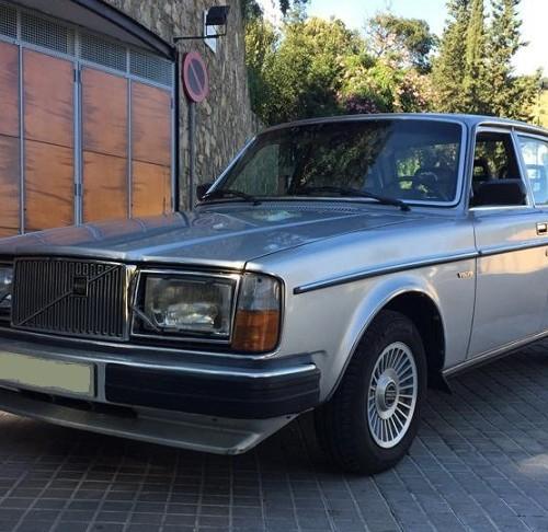 P0018 Alquiler Volvo 264 GLE frontal 2