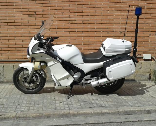P0192 alquiler moto policía tyreaction lat blanco
