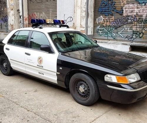 alquiler coche de Policia police car rent los angeles americano barcelona madrid Tyreaction.