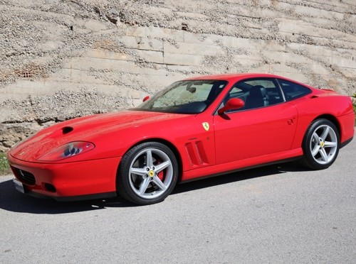 p0103 Alquiler Ferrari 575 Modificato Maranello  vehículos de escena tyreaction