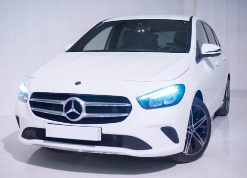 p0103 Alquiler Mercedes-Benz B200 2019 blanco vehículos de escena tyreaction