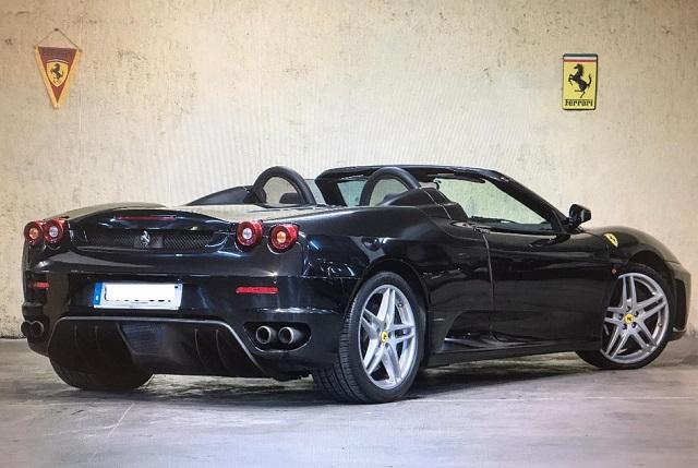 P0050 Ferrari F430 negro tras