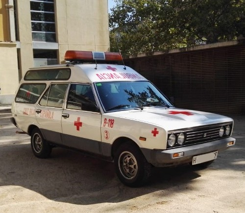 p0013 alquiler ambulancia clasica seat 131 tyreaction vehículos de escena front