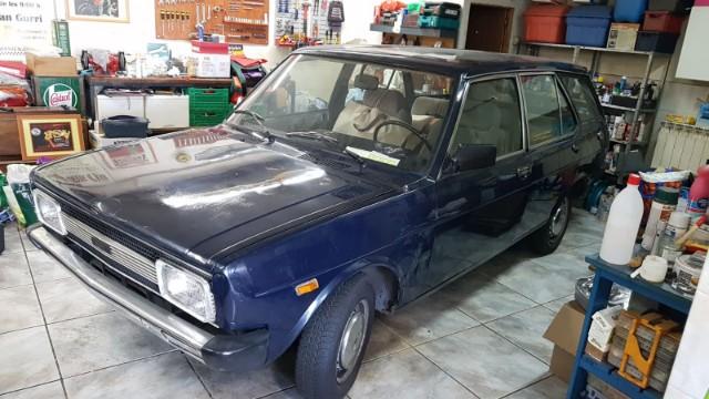 p0035 alquiler coche clasico seat 131 familiar ranchera azul lat