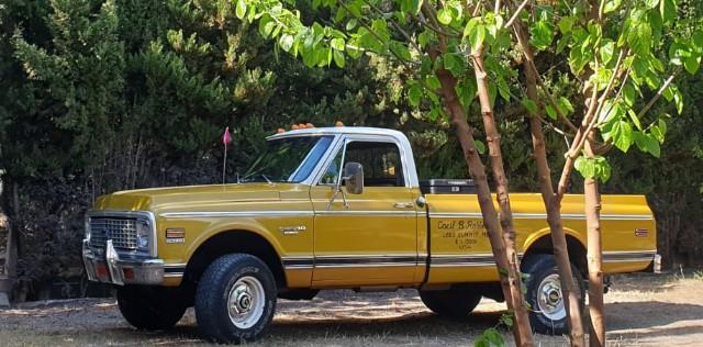 10771 alquiler cehvrolet pickup clasica americana amarillo front