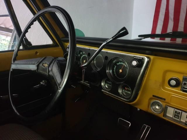 10771 alquiler cehvrolet pickup clasica americana amarillo int