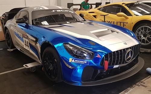 p0161 alquiler Mercedes SLS AMG competicion carreras azul front tyreaction vehículos de escena picture vehicles spain