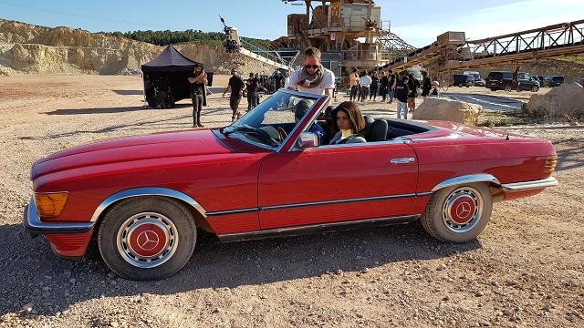 tyreaction precision driver chica rodaje babyliss alquiler mercedes SL clasico para rodajes vehículos de escena barcelona madrid picture vehicles spain rojo 1