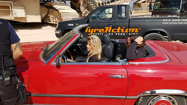 tyreaction precision driver chica rodaje babyliss alquiler mercedes SL clasico para rodajes vehículos de escena barcelona madrid picture vehicles spain rojo 4