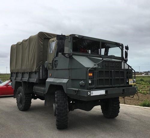 PA0006 alquiler camión militar Pegaso verde andalucia tyreaction front