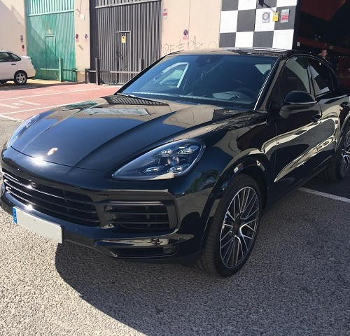 PM0001 alquiler porsche cayenne negro madrid tyreaction front