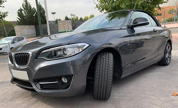 PM012 Alquiler Bmw serie 1 gris Madrid lateral
