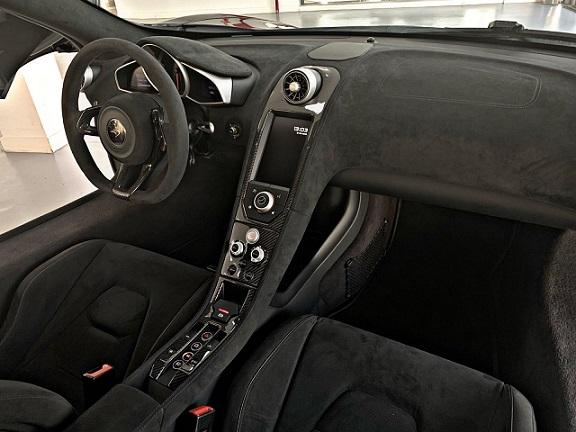 PM012 Alquiler McLaren 600LT interior negro Madrid
