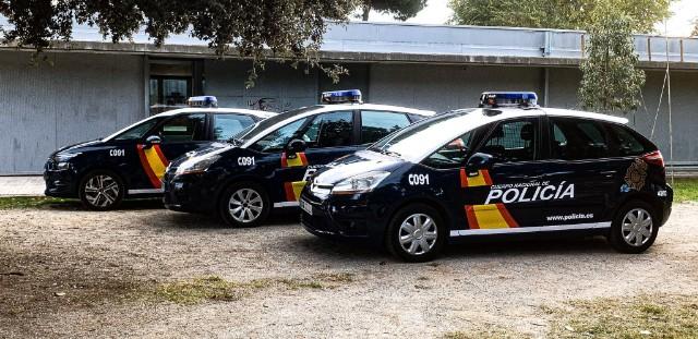 Alquiler coche policía nacional cnp c4 picasso 1