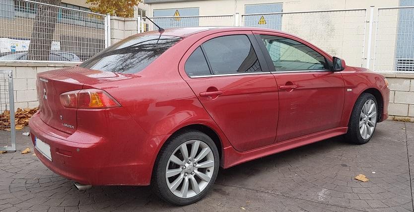 PM012 Alquiler Mitsubishi Lancer rojo Madrid trasero