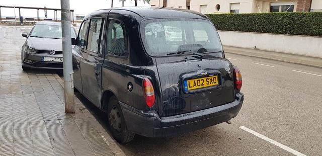 p0014 alquiler taxi ingles londres london negro volante derecha tyreaction vehiculos de escena en barcelona madrid tras