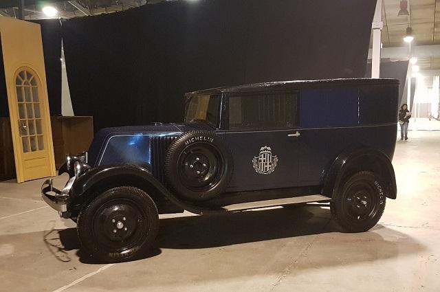 P0035 Alquiler coche de policia de epoca clasico 1920 1926 Renault KZ tyreaction vehículos de escena películas azul