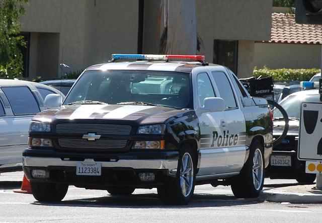 0001 alquiler chevrolet avalanche pickup americana suburban policia usa vehículos de escena tyreaction barcelona madrid policia