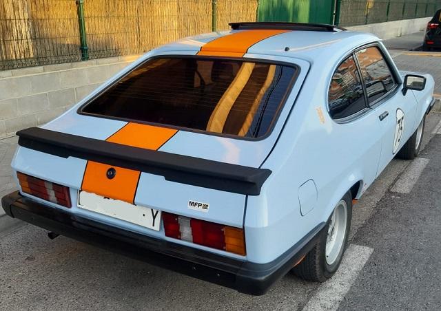 PM014 alquiler ford capri versión Gulf clasico vehículos de escena tyreaction Madrid azul tras