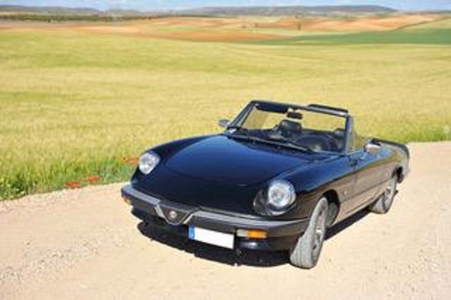 pm014 alquiler alfa romeo spider descapotable italiano cabrio negro vehículos de escena madrid tyreaction front