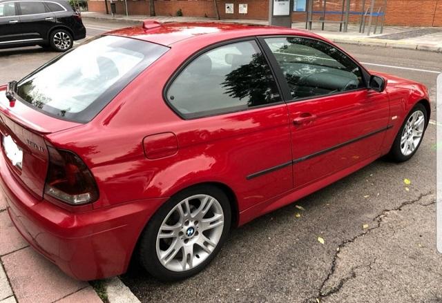 pm014 alquiler bmw compact vehículos de escena madrid tyreaction rojo tras