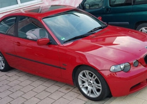 pm014 alquiler bmw compact vehículos de escena madrid tyreaction rojo front