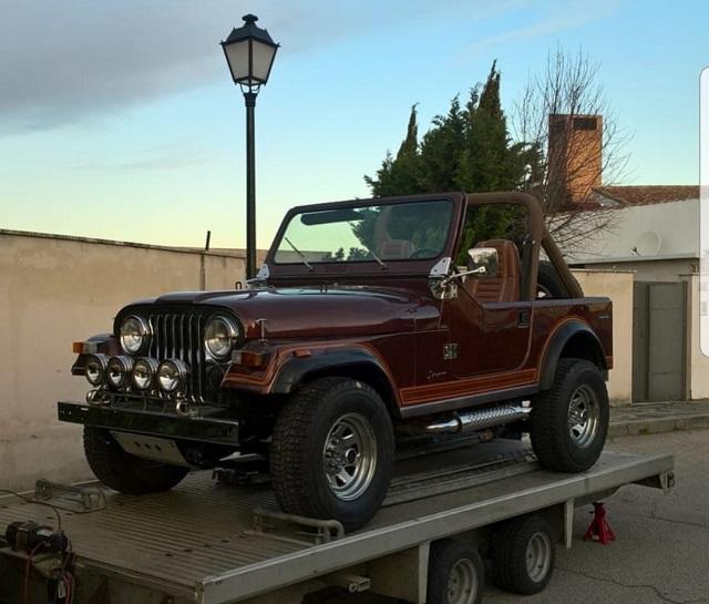 pm014 alquiler jeep wrangler americano tyreaction madrid vehículos de escena granate