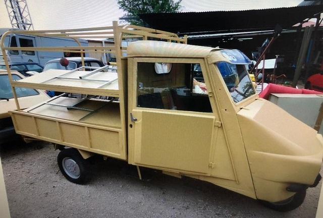 pm014 alquiler motocarro triciclo clasico vehículos de escena madrid tyreaction crema lat