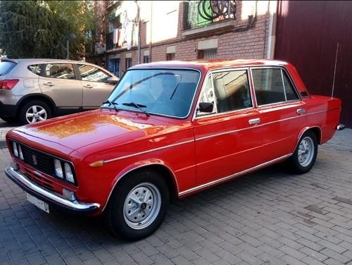 pm014 alquiler seat 124 1430 clasico vehículos de escena rojo  madrid front tyreaction