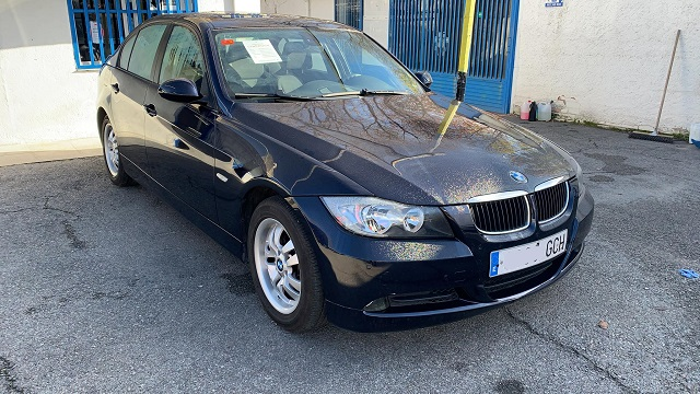 pm014 alquiler sedan BMW serie 3 vehículos de escena negro madrid front tyreaction