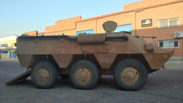 pm014 alquiler vehiculo blindado 6x6 tanqueta militar bmr películas belicas español madrid tyreaction marrón lat