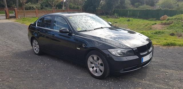 00001 Alquiler BMW 330 berlina sedna negro Tyreaction vehículos de escena Barcelona front