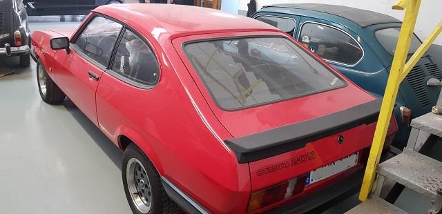 PM014 alquiler ford capri clasico vehículos de escena tyreaction Madrid rojo tras