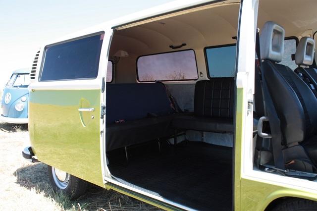 pm0011 alquiler volkwagen t1 t2 hippie camper madrid vehículos de escena verde tyreaction int2