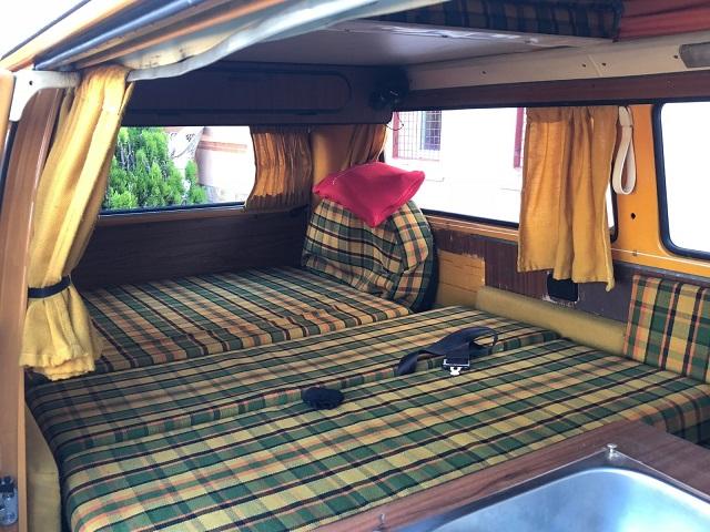 pm0011 alquiler volkwagen t1 t2 hippie techo extraible madrid vehículos de escena naranja tyreaction int2
