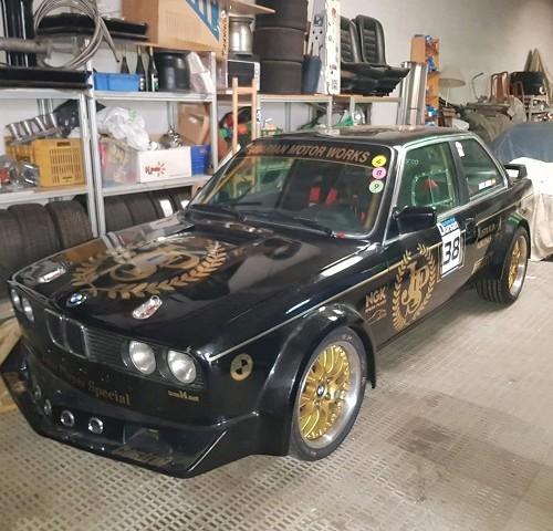 pm014 alquiler bmw competicion clasico vehículos de escena para cine tyreaction madrid negro front
