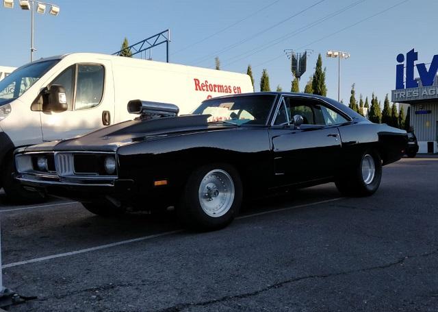 pm014 alquiler dodge charger clasico americano muscle car madrid vehículos de escena tyreaction negro front