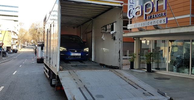 tyreaction desinfeccion coronavirus vehículos de escena barcelona interior camión cabinado portacoches