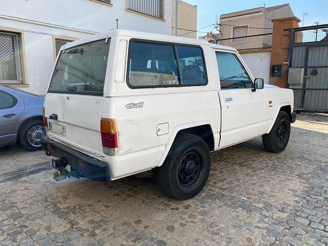 p0014 tyreaction alquiler Patrol blanco vehículos de escena para cine tras