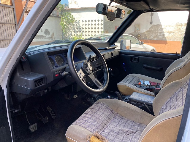 p0014 tyreaction alquiler Patrol blanco vehículos de escena para cine int