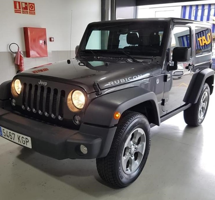p0044 tyreaction alquiler Jeep Wrangler corto gris front